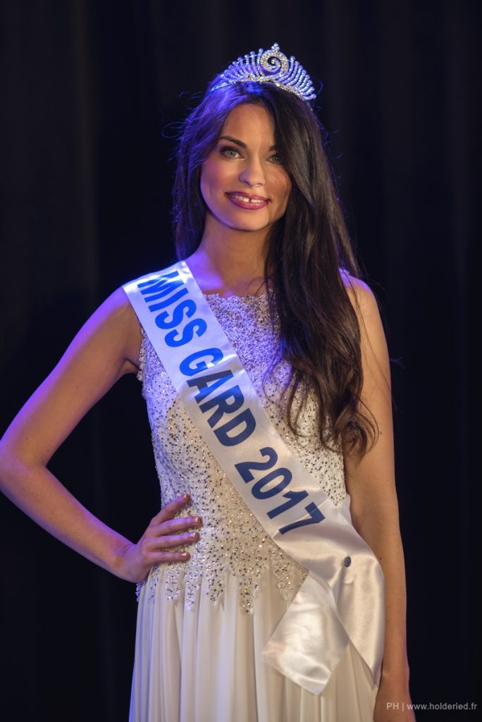 Miss Gard <br/> Marie-Charlotte Porras